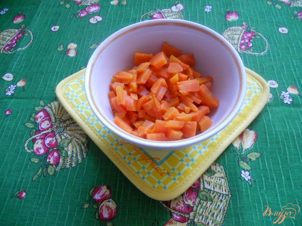 Фото приготовление рецепта: Салат зимний с сельдереем шаг №2