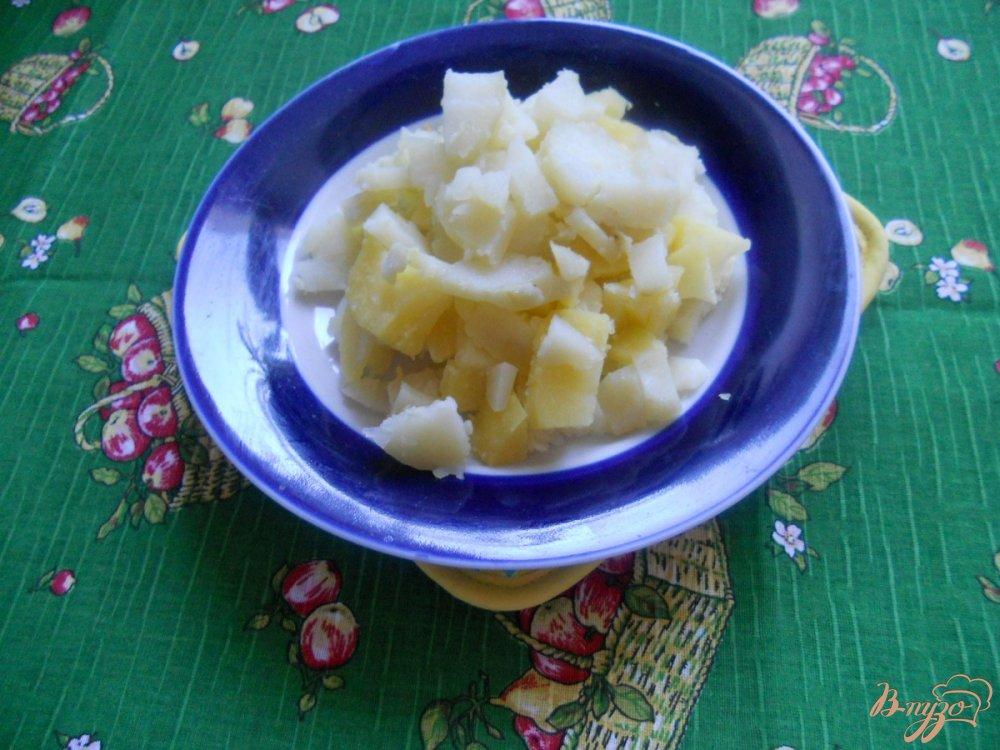 Фото приготовление рецепта: Салат зимний с сельдереем шаг №1