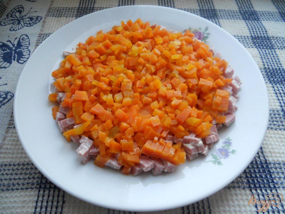 Фото приготовление рецепта: Весенний слоеный салатик шаг №5
