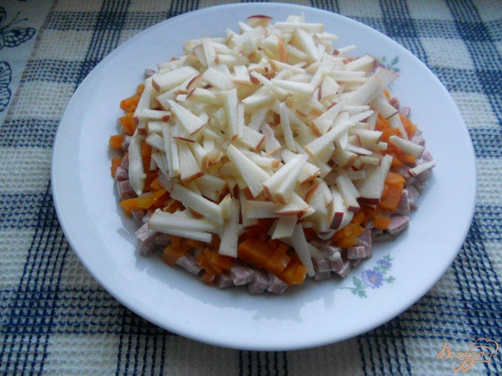 Фото приготовление рецепта: Весенний слоеный салатик шаг №6