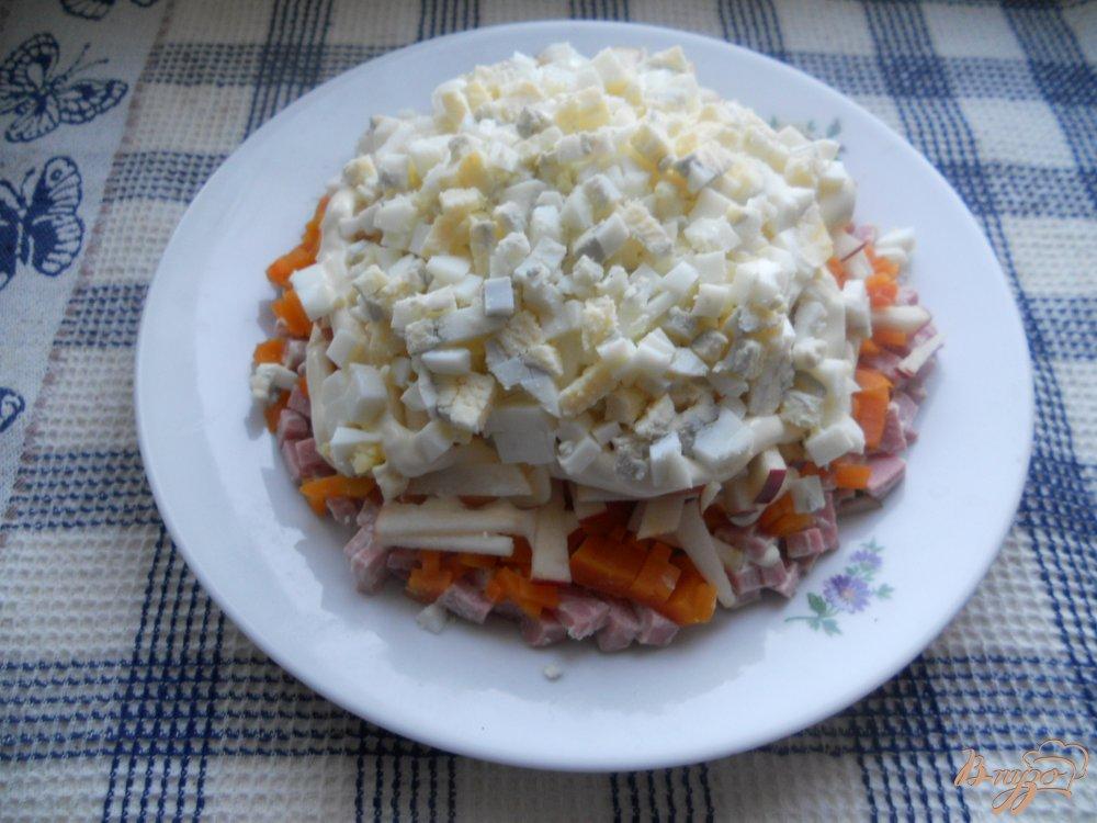 Фото приготовление рецепта: Весенний слоеный салатик шаг №8