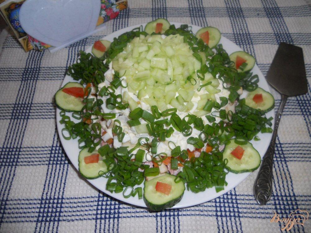 Фото приготовление рецепта: Весенний слоеный салатик шаг №9