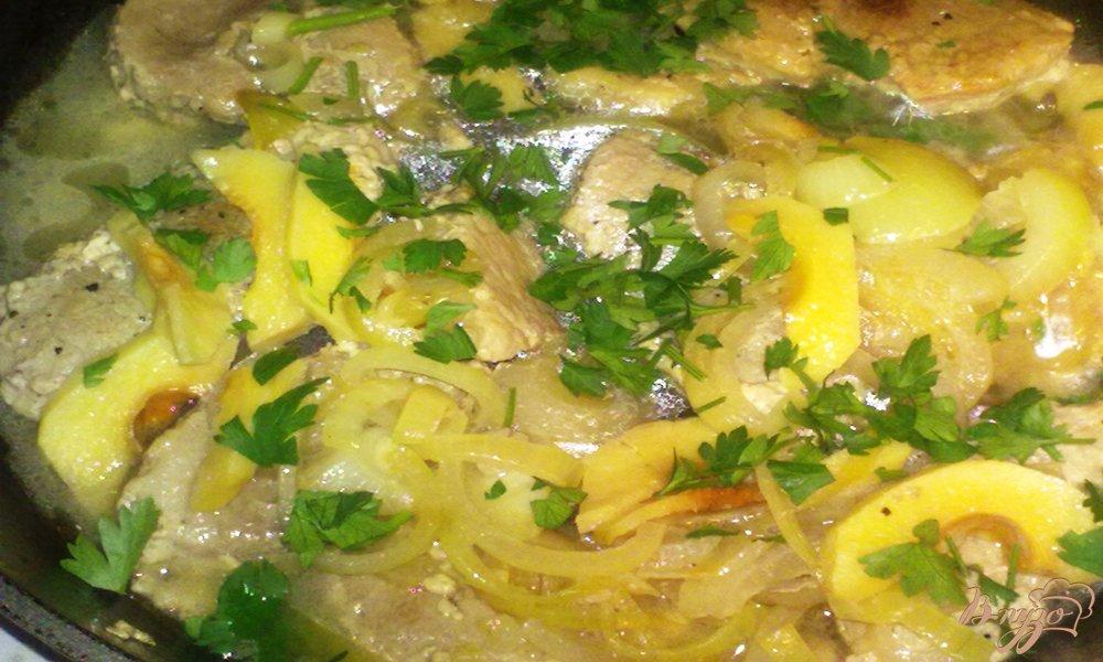 Фото приготовление рецепта: Мясо с айвой шаг №6