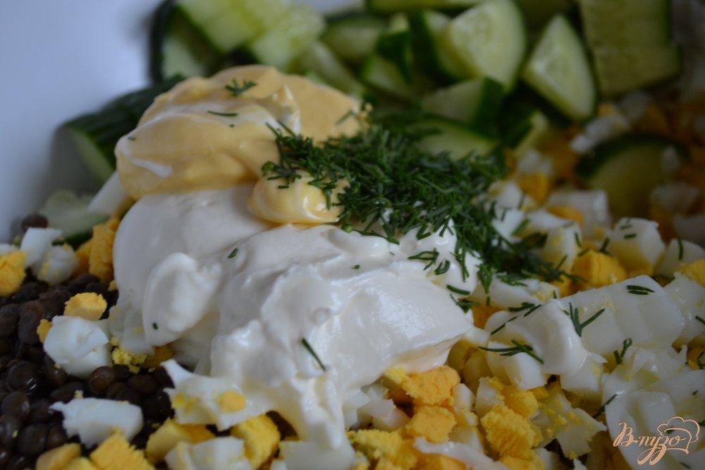 Фото приготовление рецепта: Яичный салат с чечевицей шаг №3
