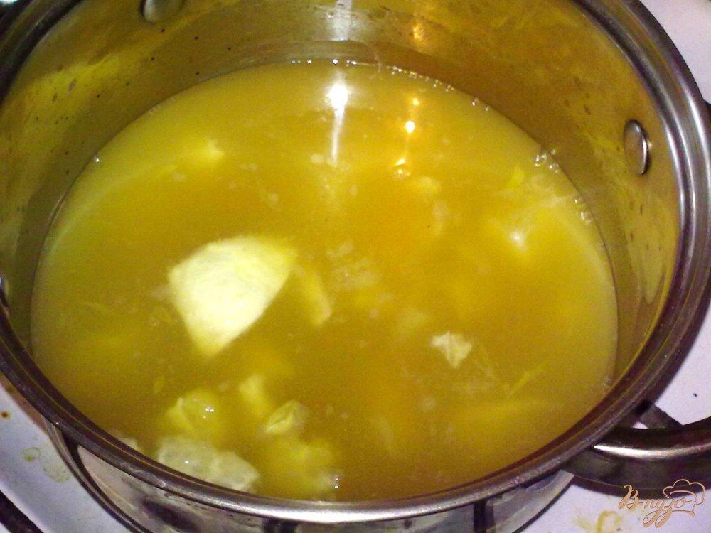 Фото приготовление рецепта: Суп из цитрусовых шаг №4