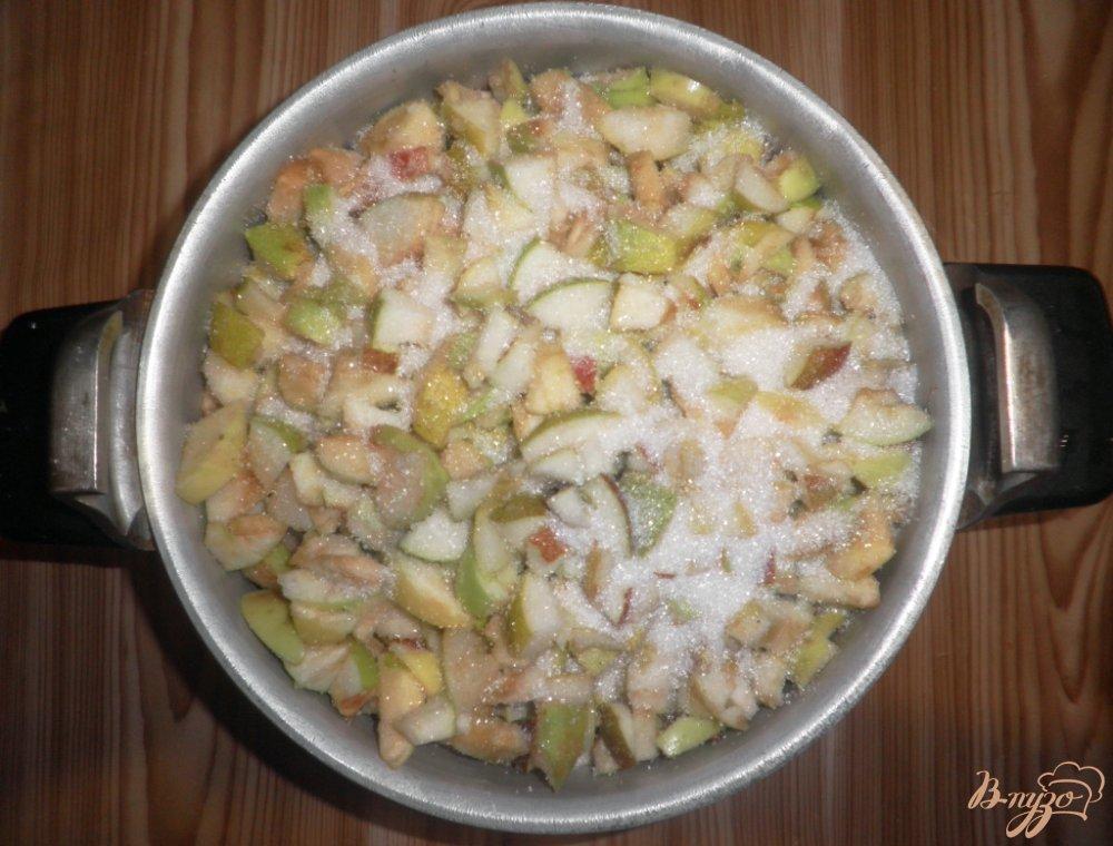 Фото приготовление рецепта: Грушево-яблочное варенье шаг №5