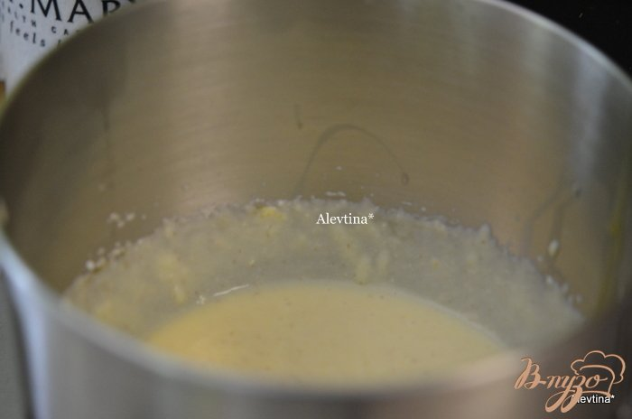 Фото приготовление рецепта: Десерт с рикоттой и свежей ягодой шаг №3