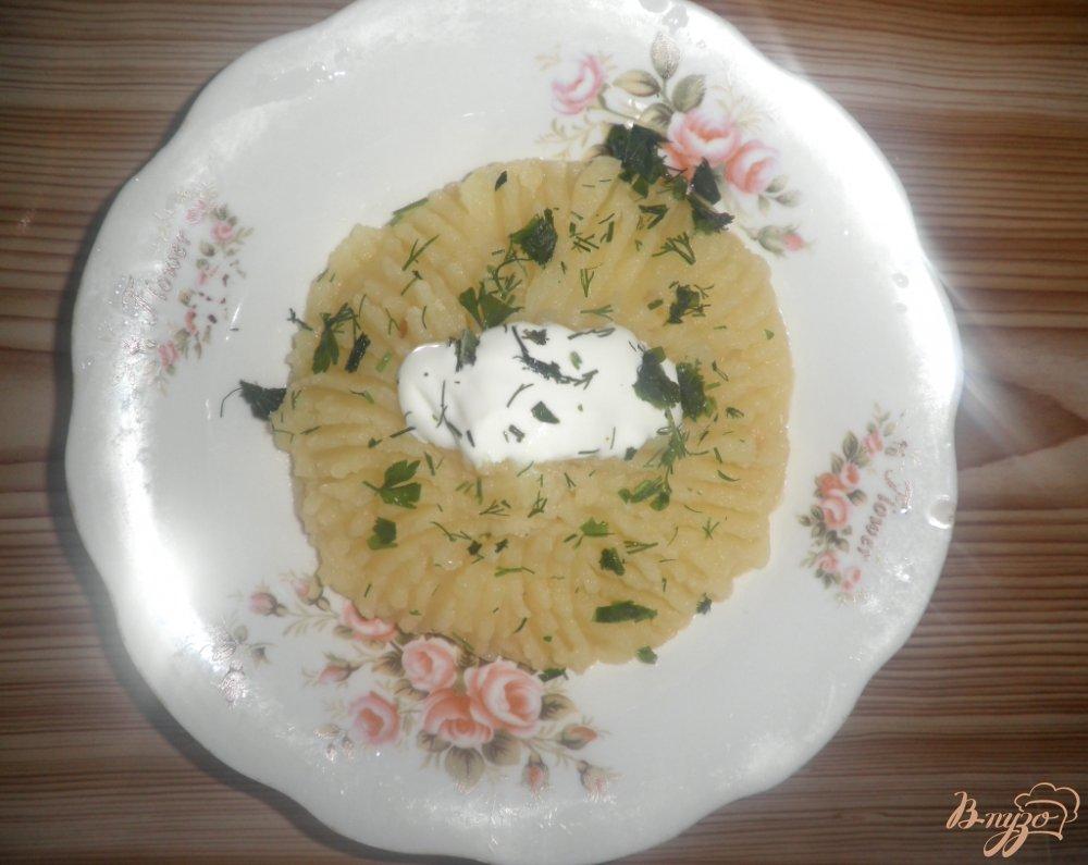 Фото приготовление рецепта: Картофельное пюре со сметаной и зеленью шаг №8