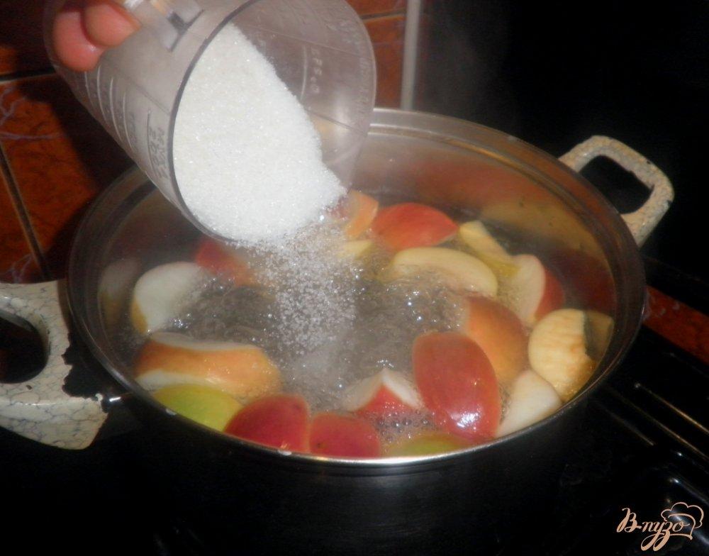 Фото приготовление рецепта: Ароматный компот на зиму шаг №3