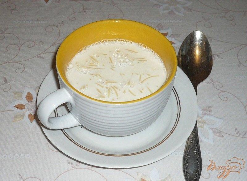 Фото приготовление рецепта: Молочная лапша шаг №4