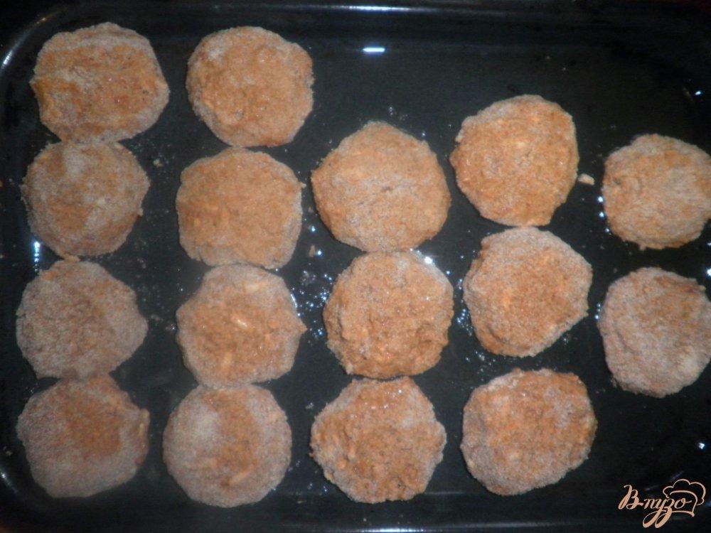 Фото приготовление рецепта: Печеночные котлеты в духовке шаг №8