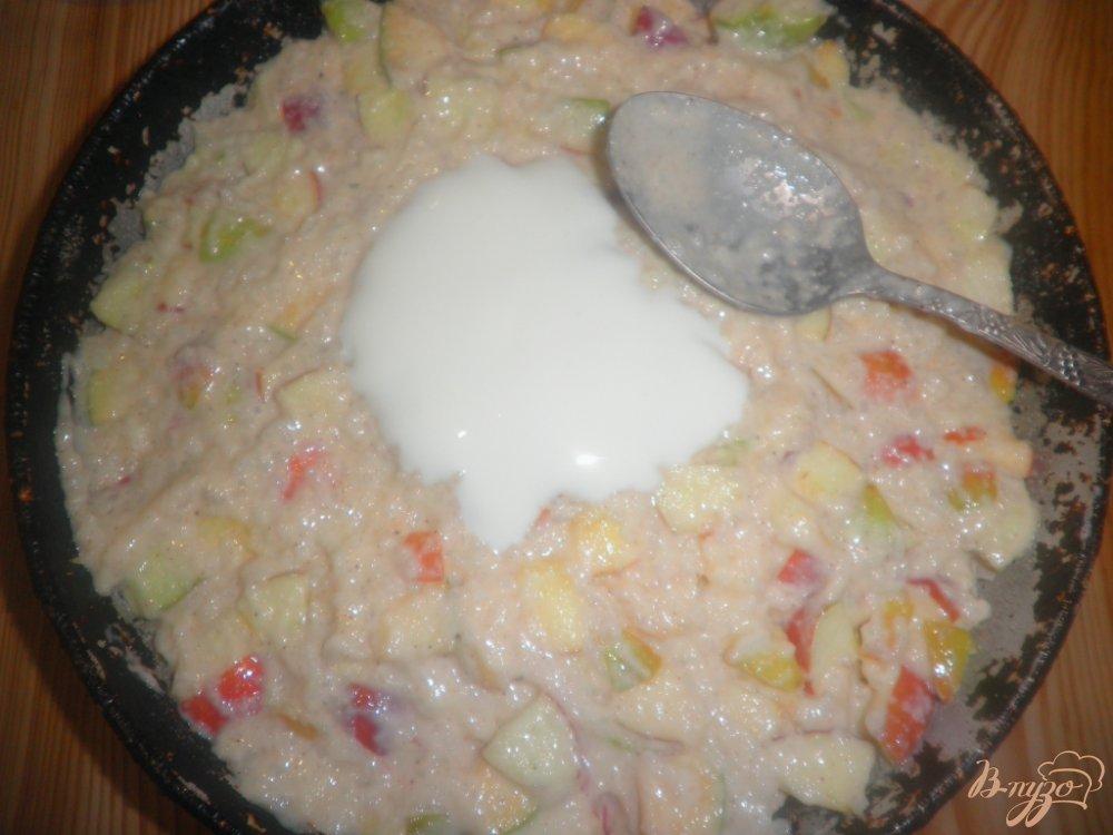 Фото приготовление рецепта: Творожно-рисовая запеканка с яблоками шаг №5