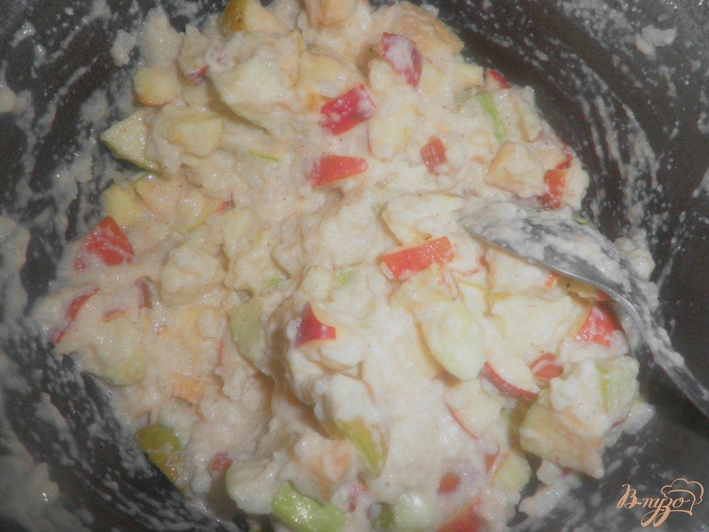 Фото приготовление рецепта: Творожно-рисовая запеканка с яблоками шаг №4