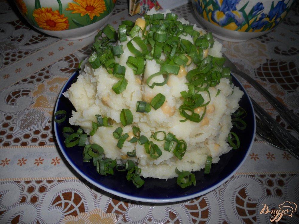 Фото приготовление рецепта: Картофельное пюре с зеленым горошком шаг №7