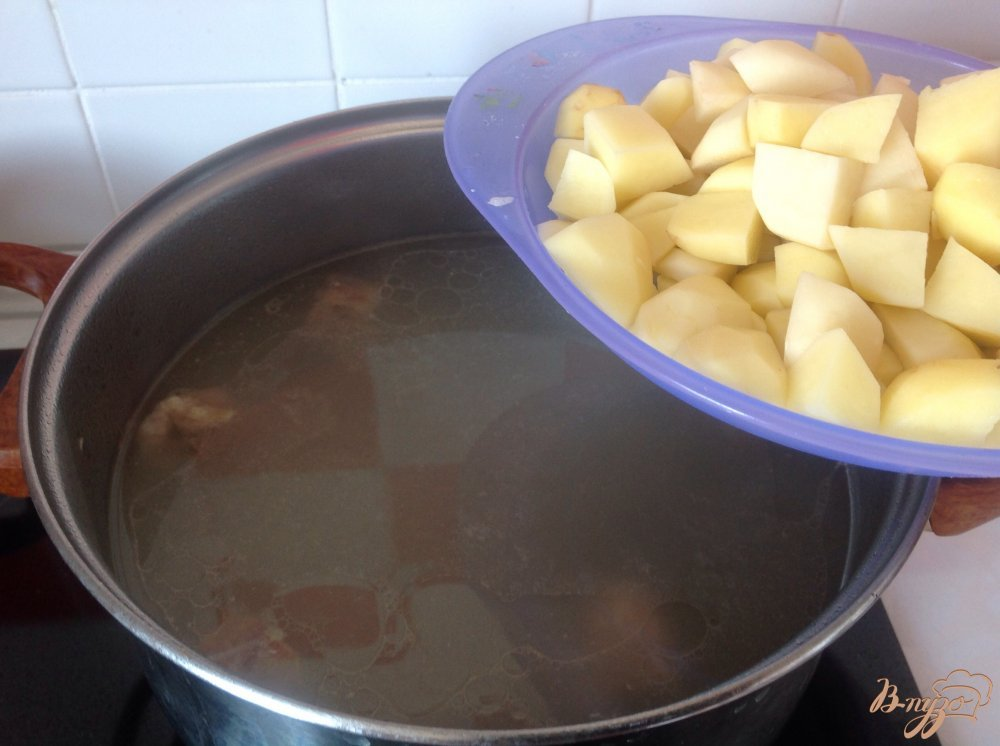 Фото приготовление рецепта: Суп с клецками шаг №7