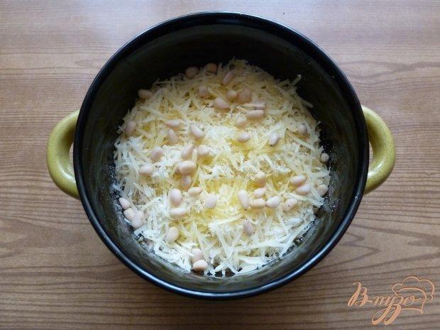 Шпинат под сыром с кедровыми орешками