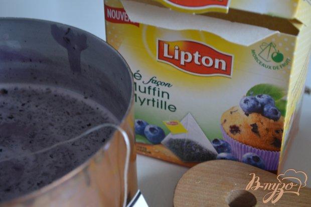 Молочно-чайное  желе с голубикой