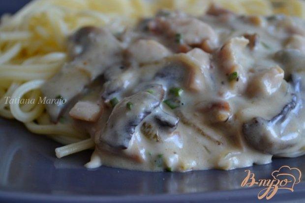 Соус к пасте из копченой курицы с шампиньонами