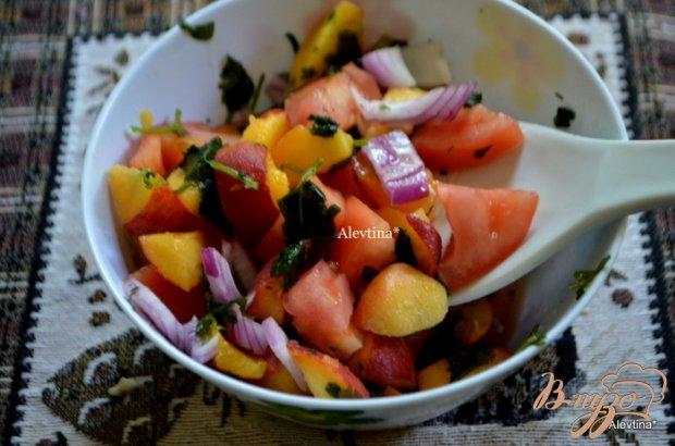 Свиные отбивные с персиковой сальсой