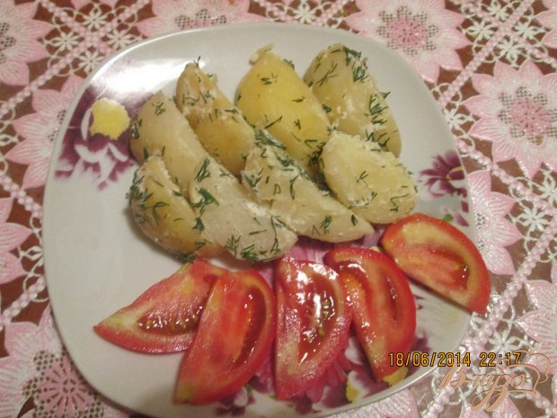 Молодая картошка со сметаной