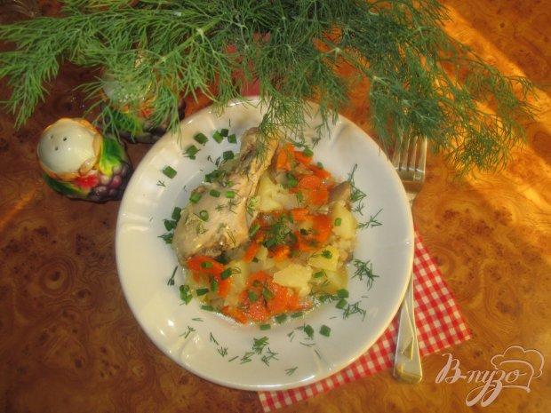 Картофель с курицей и грибами тушеные в казане