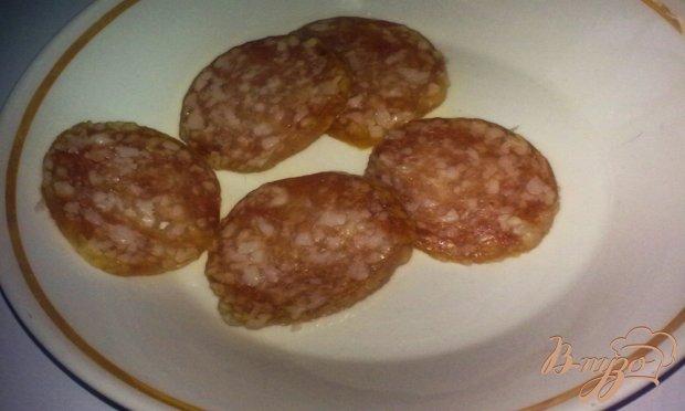 Тосты с колбасой и баклажаном