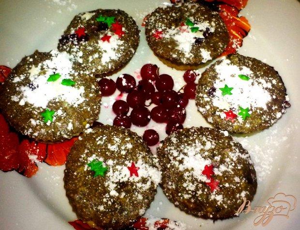 Творожно-шоколадные маффины с красной смородиной