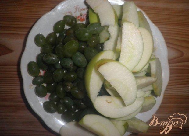 Яблочный компот с виноградом