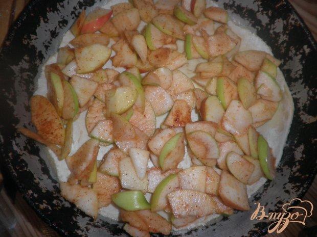 Осенний яблочный слоеный пирог