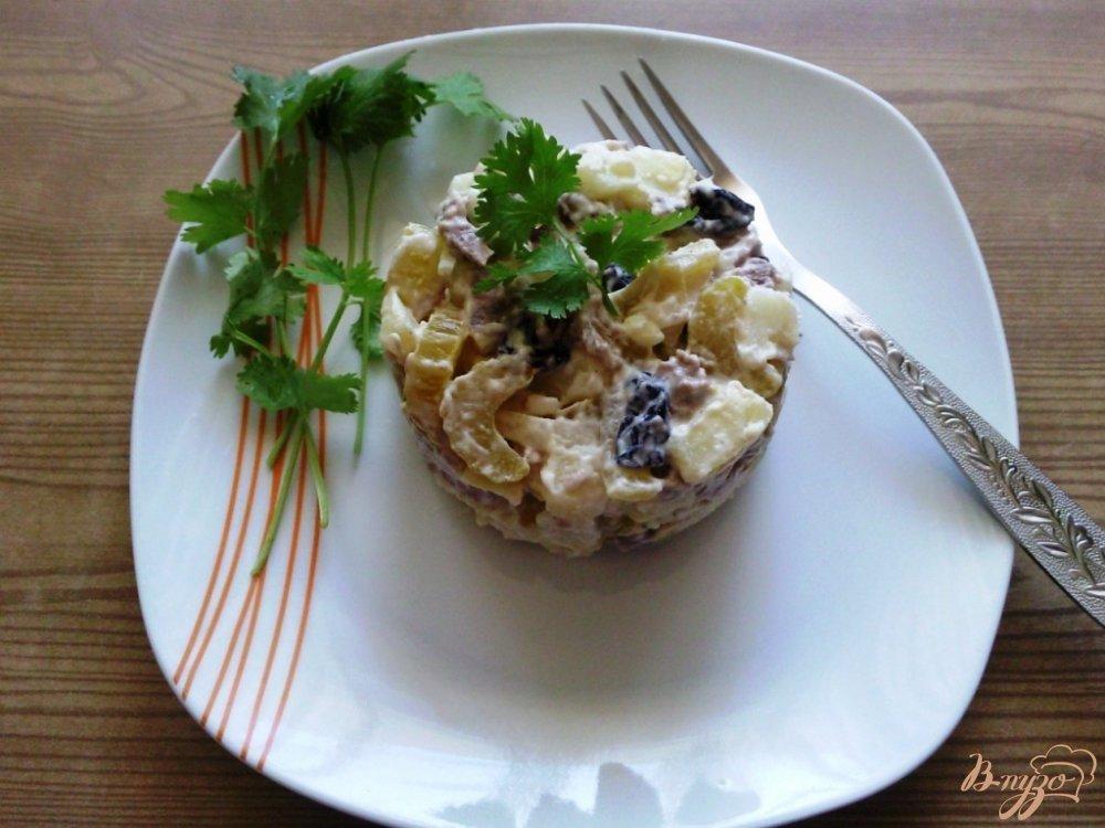 Фото приготовление рецепта: Овощной салат с говядиной и маринованным сельдереем шаг №4