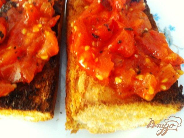 Фото приготовление рецепта: Брускетта с помидорами шаг №10