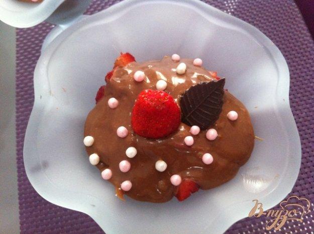 Рецепт Десерт клубничный с шоколадной филадельфией
