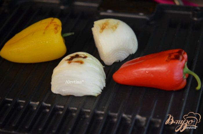 Фото приготовление рецепта: Говядина с сыром и перцем сладким шаг №3