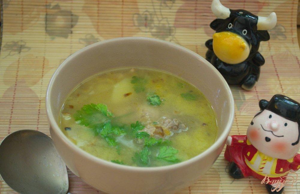 Фото приготовление рецепта: Говяжий суп с  беконом шаг №7