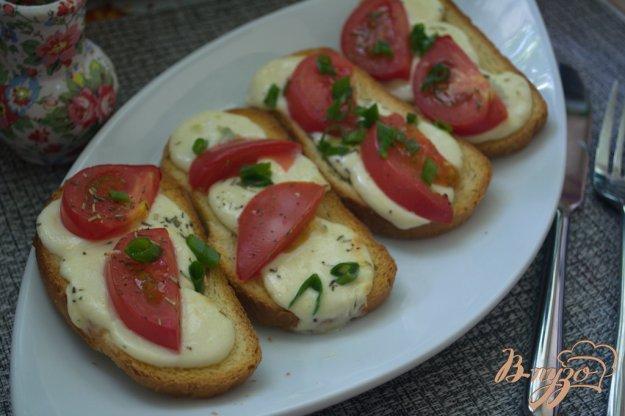 Рецепт Гренки с моцареллкой и помидорами