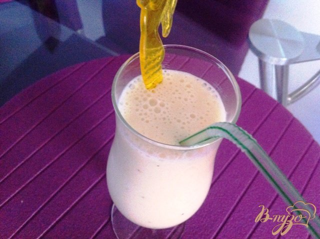 Фото приготовление рецепта: Коктейль молочно-банановый шаг №5