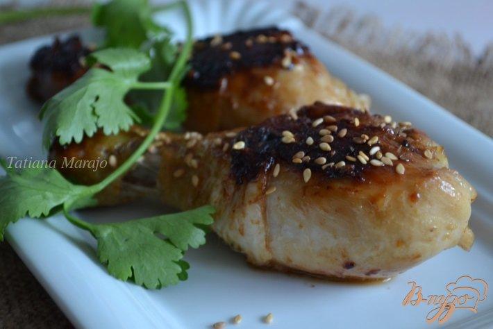Фото приготовление рецепта: Куриные ножки в медово-соевом соусе шаг №4