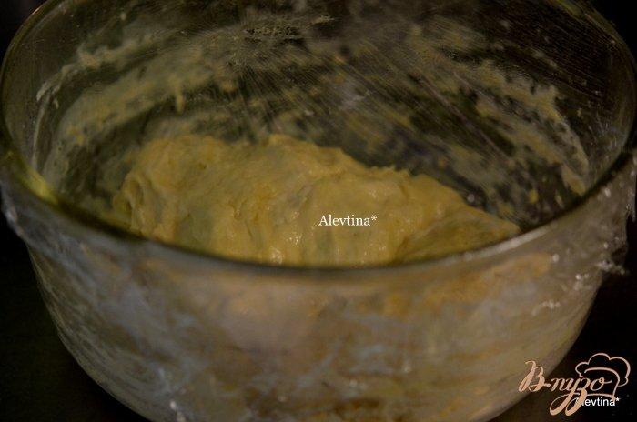 Фото приготовление рецепта: Булочки со вкусом  Эрл Грей и изюмом шаг №4