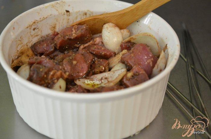 Фото приготовление рецепта: Свиной шашлык на вине шаг №4