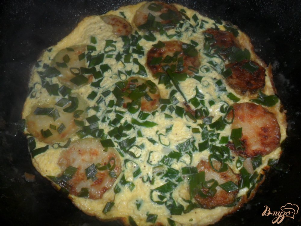 Фото приготовление рецепта: Омлет с кабачком шаг №6