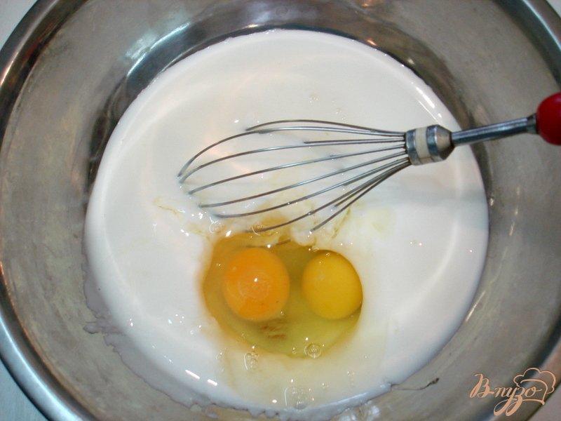 Фото приготовление рецепта: Жареные пирожки на кефире с квашеной капустой шаг №9