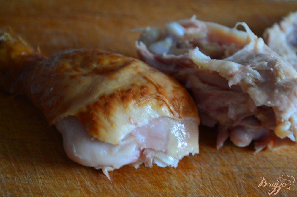 Фото приготовление рецепта: Салат с ржаными хлебцами шаг №2