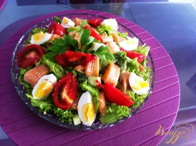Рецепт Салат с овощами, семгой и водорослями чука