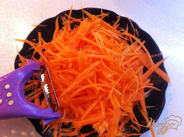 Фото приготовление рецепта: Теплый  салат с мидиями шаг №5