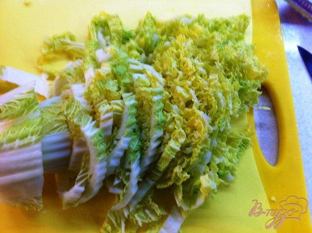 Фото приготовление рецепта: Теплый  салат с мидиями шаг №4