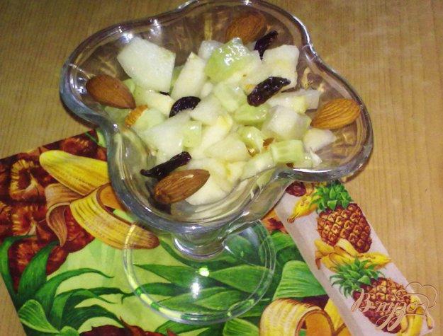Рецепт Салат с огурцами и грушей