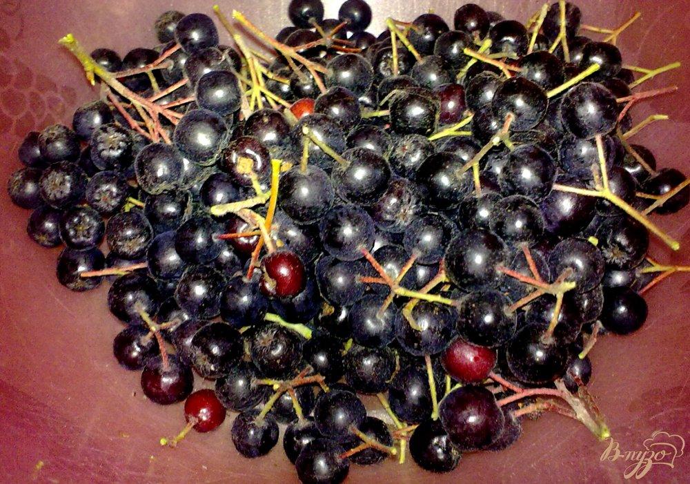 Фото приготовление рецепта: Замороженная черноплодная рябина шаг №2
