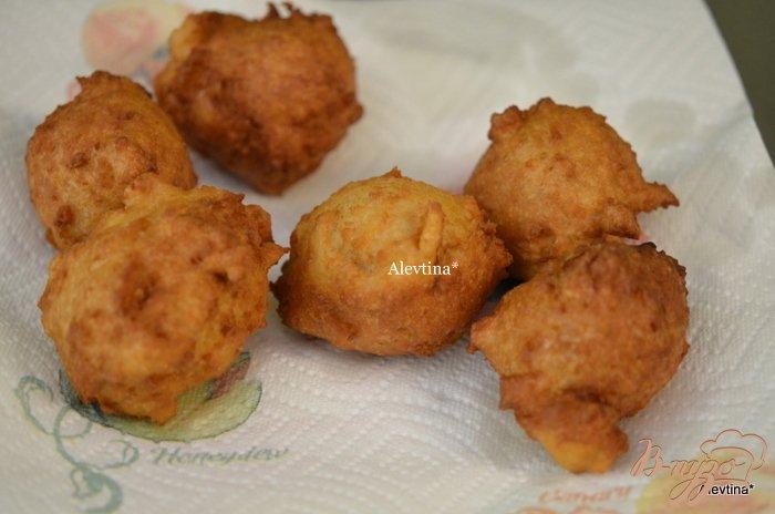 Фото приготовление рецепта: Пончики с кленовым сиропом шаг №3