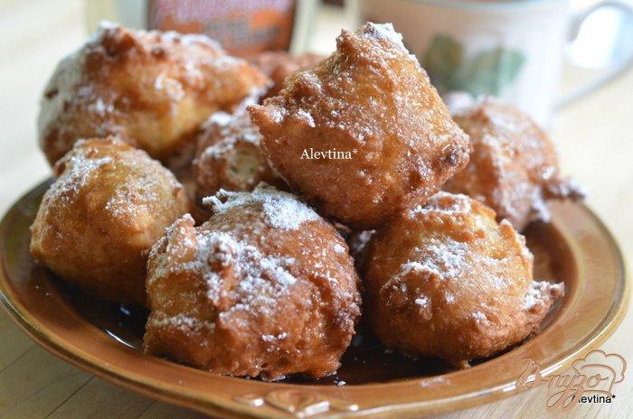 Фото приготовление рецепта: Пончики с кленовым сиропом шаг №4