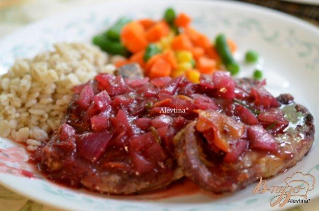 Рецепт Свиные котлеты с клюквенным соусом